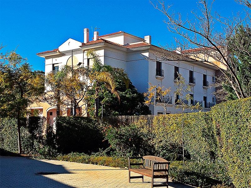 Seniors-Residencias-Torrequebrada-1