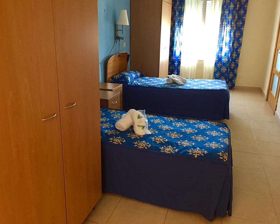 interior-dormitorio-armario