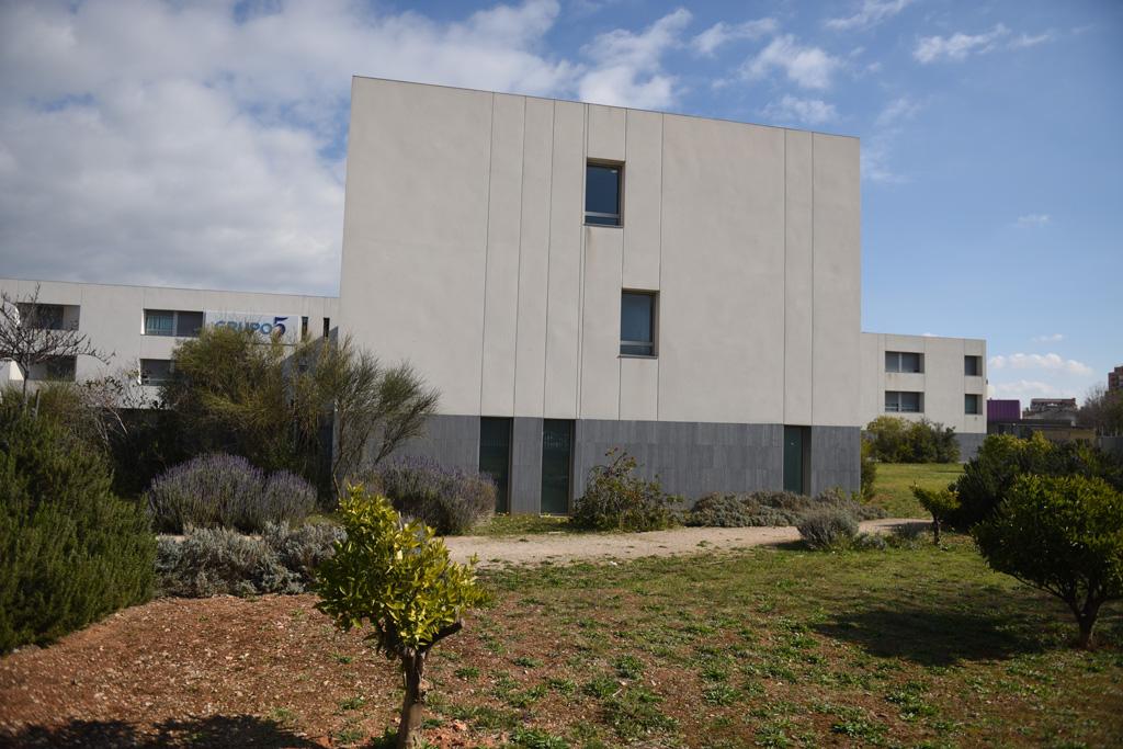 seniors-inca-edificio-jardin