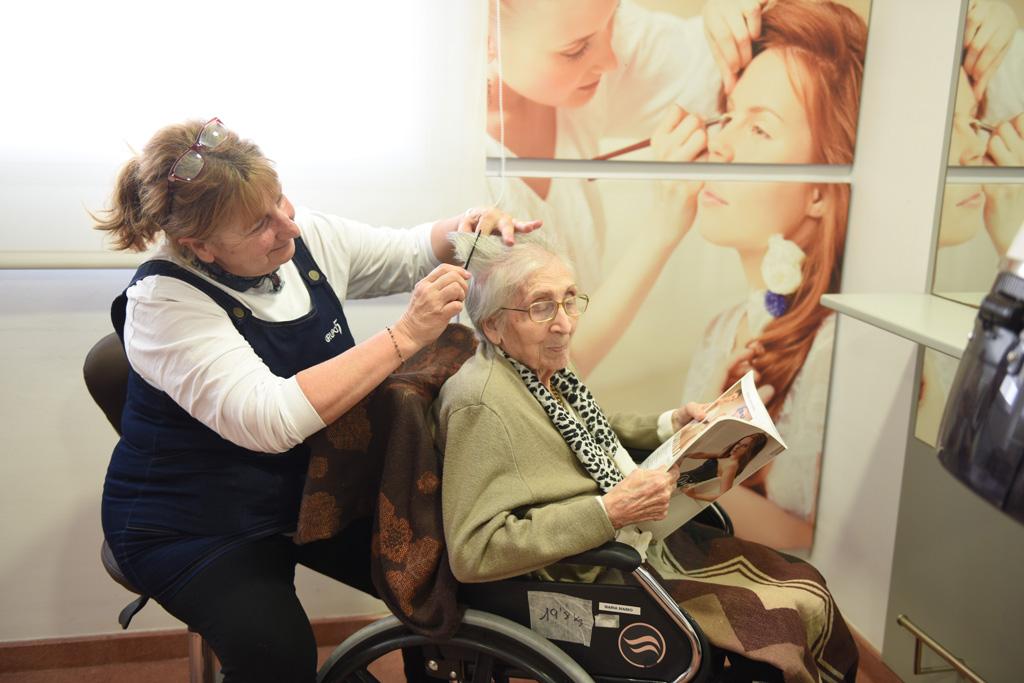 seniors-sant-joan-peluqueria